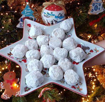 Mini kourabiedes Griekse kerstkoekjes